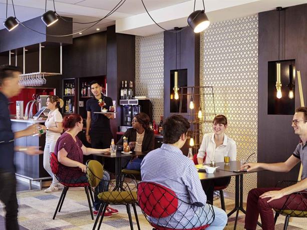 hotel mercure saint quentin en yvelines centre montigny le bretonneux compare deals. Black Bedroom Furniture Sets. Home Design Ideas