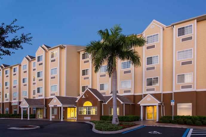 Microtel Inn & Suites Lehigh