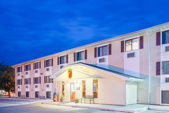 Pet Friendly Hotels Burlington Co