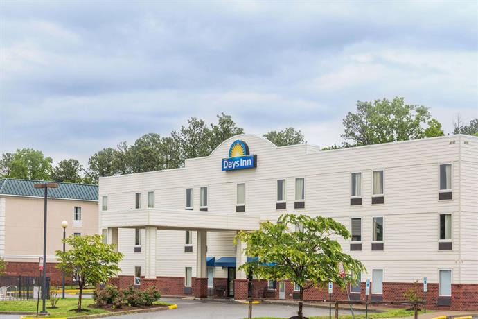 Days Inn by Wyndham Doswell At the Park