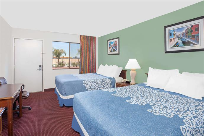 Days Inn Lost Hills Compare Deals