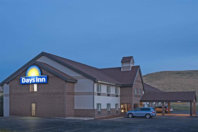 Days Inn by Wyndham Sturgis