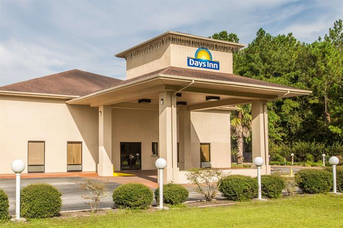 Days Inn by Wyndham Lake City I 10