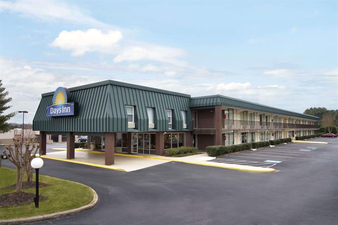 Days Inn by Wyndham Seneca
