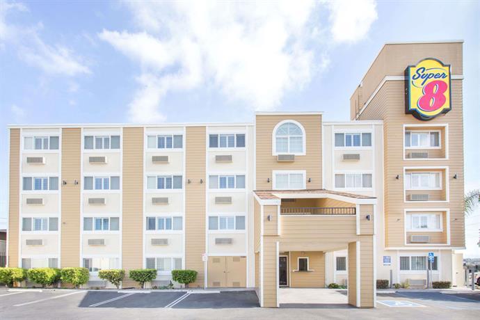 super 8 national city chula vista compare deals. Black Bedroom Furniture Sets. Home Design Ideas