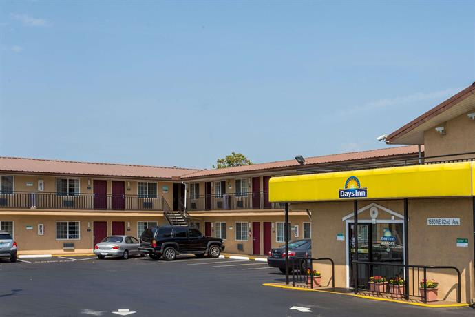 Days Inn by Wyndham Portland Central