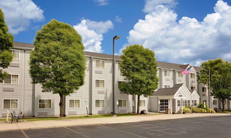 Microtel Inn & Suites Madison