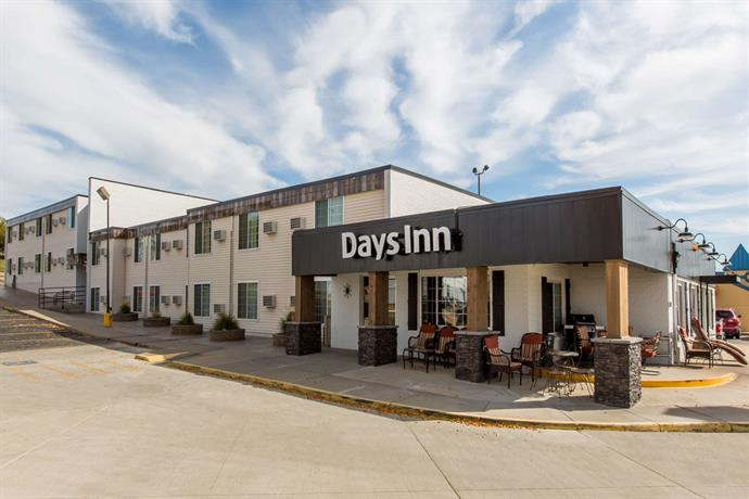 Pierre-Days Inn
