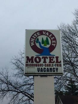 White Valley Motel