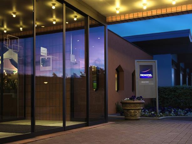 novotel macon nord sennec l s m con comparez les offres. Black Bedroom Furniture Sets. Home Design Ideas