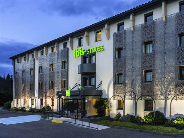 ibis styles toulouse nord sesquieres compare deals. Black Bedroom Furniture Sets. Home Design Ideas