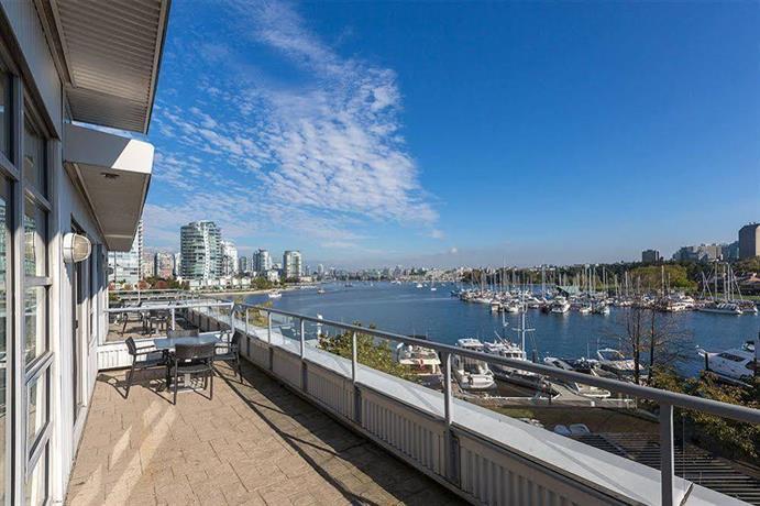 Hotels Near  Granville Street Vancouver