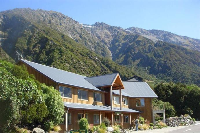 Aoraki mount cook alpine lodge south island compare deals for The alpine lodge