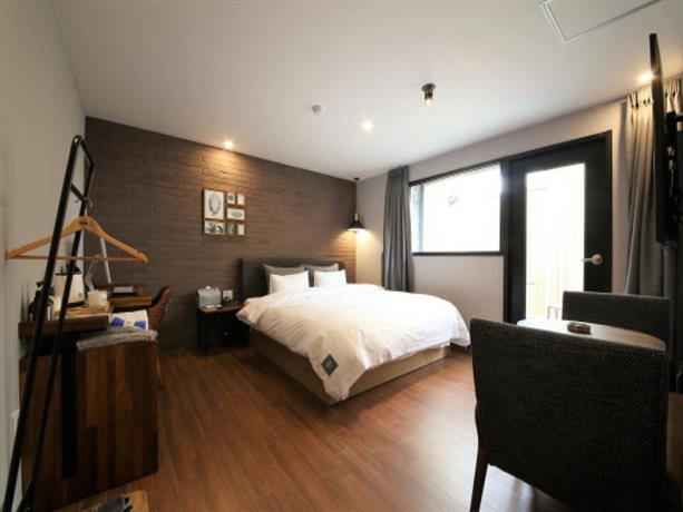 Hotel 7Bricks
