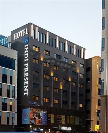 Guri Indi Present Hotel