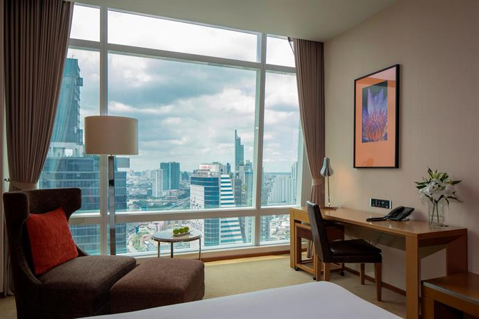 Eastin Grand Hotel Bangkok Executive Rooms