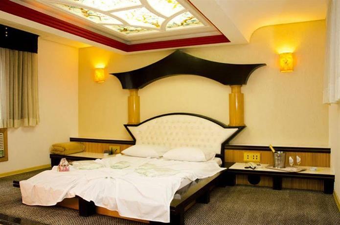 Omega Palace Hotel