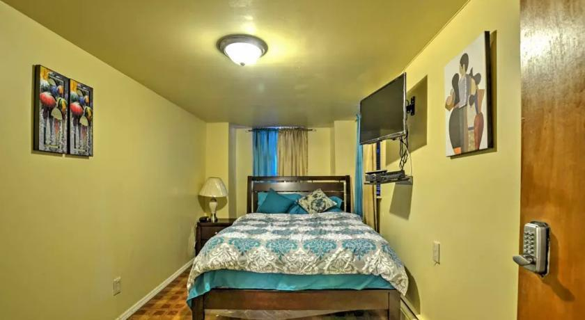 Two Bedroom Apartment - North East Bronx