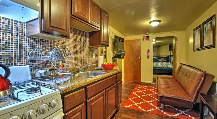 Two Bedroom Apartment North East Bronx New York City Compare Deals