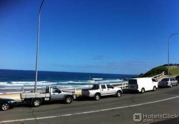Newcastle Beach 1-BR Apt w/ City views