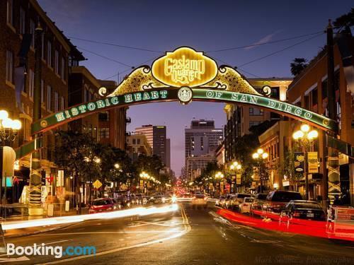 California rental car insurance requirements 10