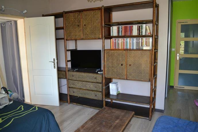 Appartement atelier la boulaye compare deals for Appartement atelier