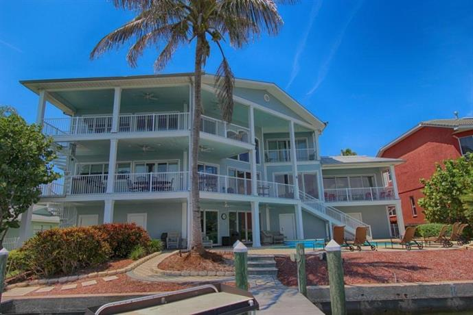 Beachcomber's Luxury House
