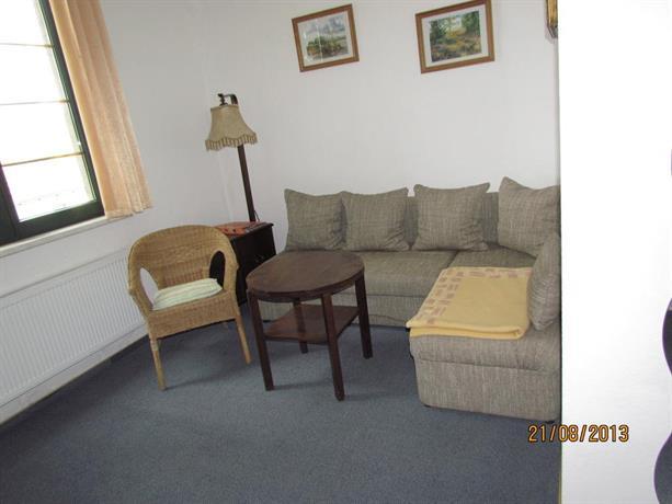 kleine pension. Black Bedroom Furniture Sets. Home Design Ideas
