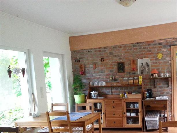 kleine pension ueckerm nde comparar ofertas. Black Bedroom Furniture Sets. Home Design Ideas