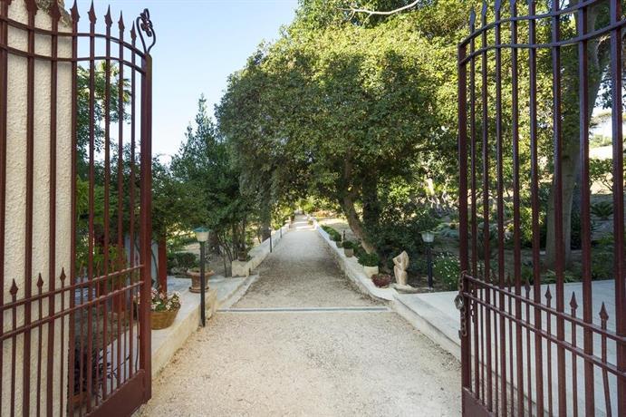 Villa fontana valderice compare deals for Fontana arredi valderice