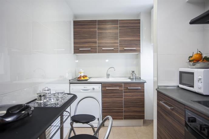Singular apartments serreria valencia compare deals - Singular kitchen valencia ...