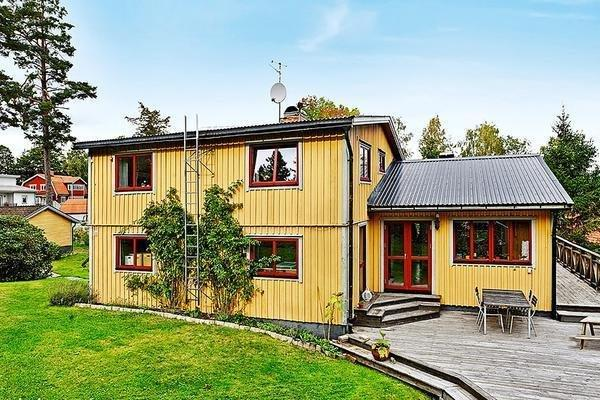 Four-Bedroom Holiday home in Akersberga
