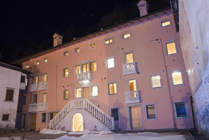 Perarolo Halldis Apartments