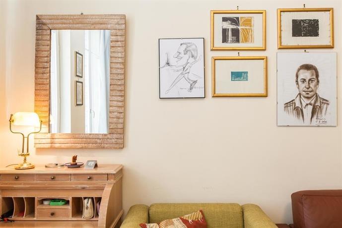 euler halldis apartment paris compare deals. Black Bedroom Furniture Sets. Home Design Ideas