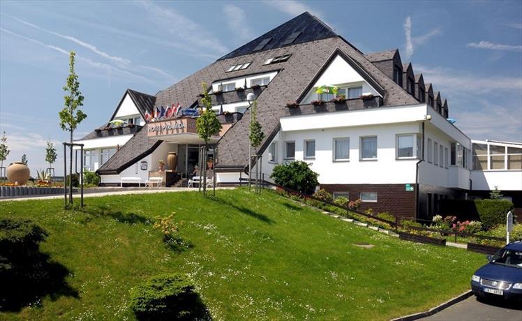 Lazensky hotel Pyramida I