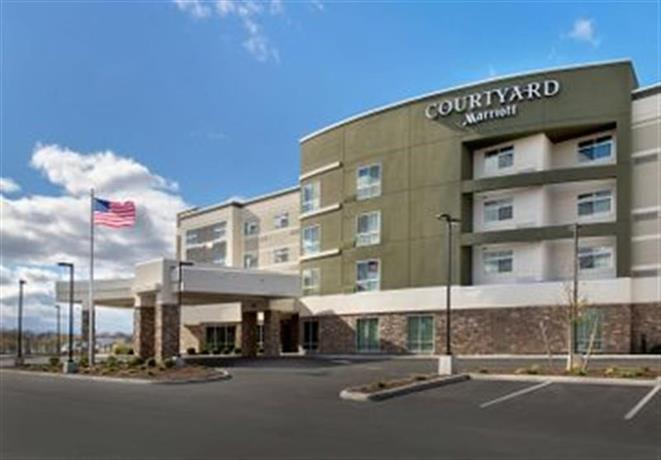 Courtyard by Marriott Schenectady at Mohawk Harbor