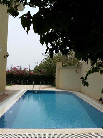Dream Inn Dubai - Signature Villa