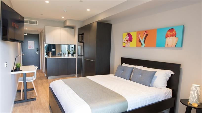 Studio 8 Residences