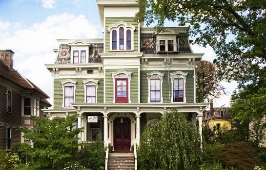 Hudson City Bed & Breakfast