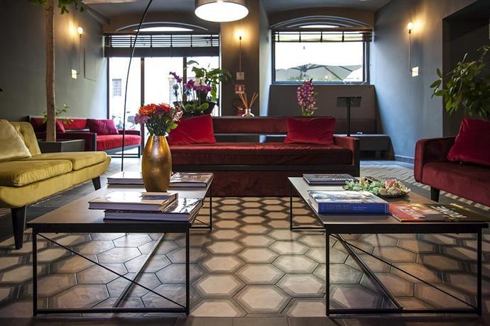 roma luxus hotel rome compare deals. Black Bedroom Furniture Sets. Home Design Ideas