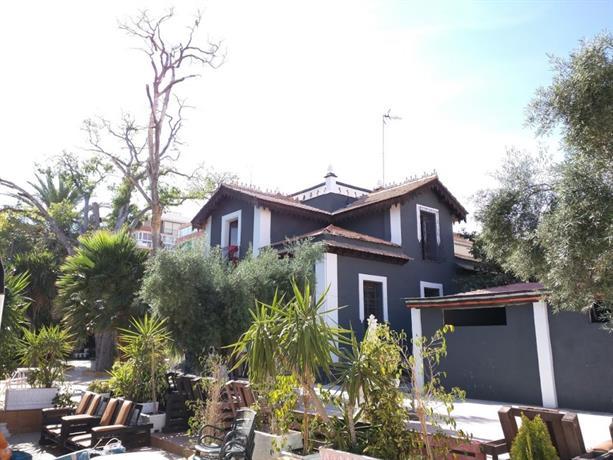 NWT Paradise Urban Hostel