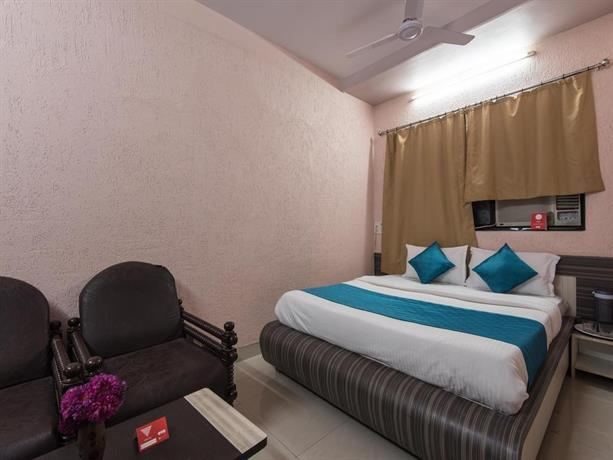 OYO Rooms Parel Near Tata Memorial Hospital