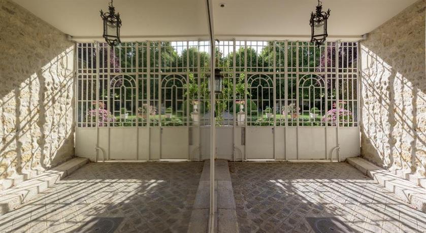 Du palais au jardin compiegne compare deals for Au jardin du port le palais