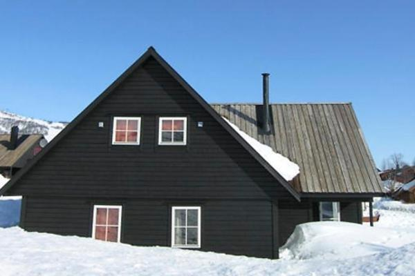 Six-Bedroom Holiday home in Hovden