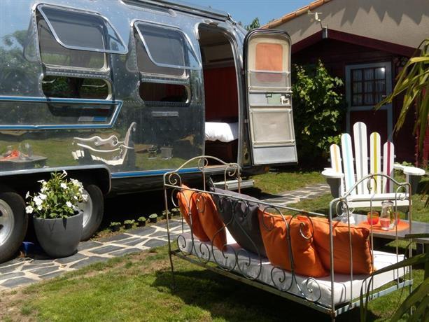 caravane airstream americaine les sorinieres compare deals. Black Bedroom Furniture Sets. Home Design Ideas