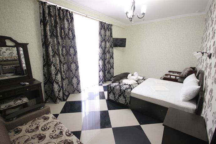 Отель Идеал