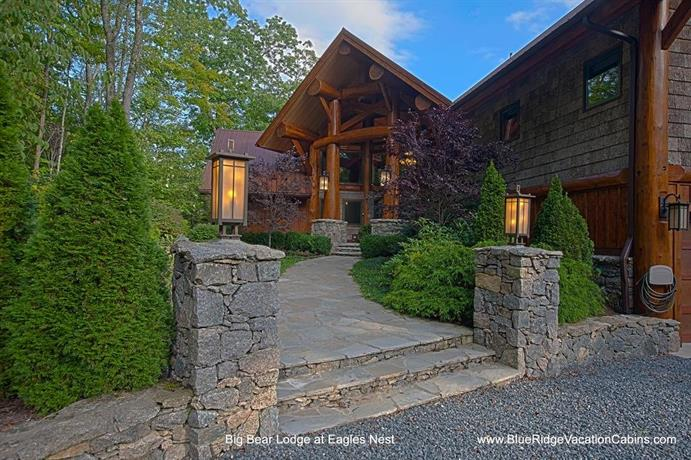 Big Bear Lodge Banner Elk