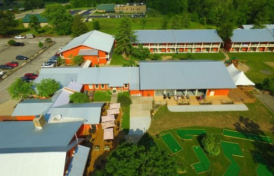 Brown County Inn >> Brown County Inn Nashville Compare Deals