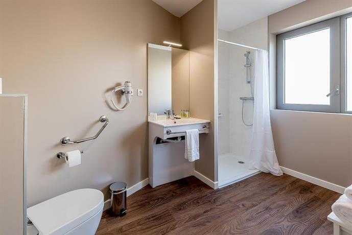 all suites appart hotel pessac compare deals. Black Bedroom Furniture Sets. Home Design Ideas