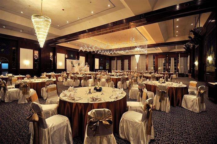 Cataract Pyramids Resort Cairo Compare Deals